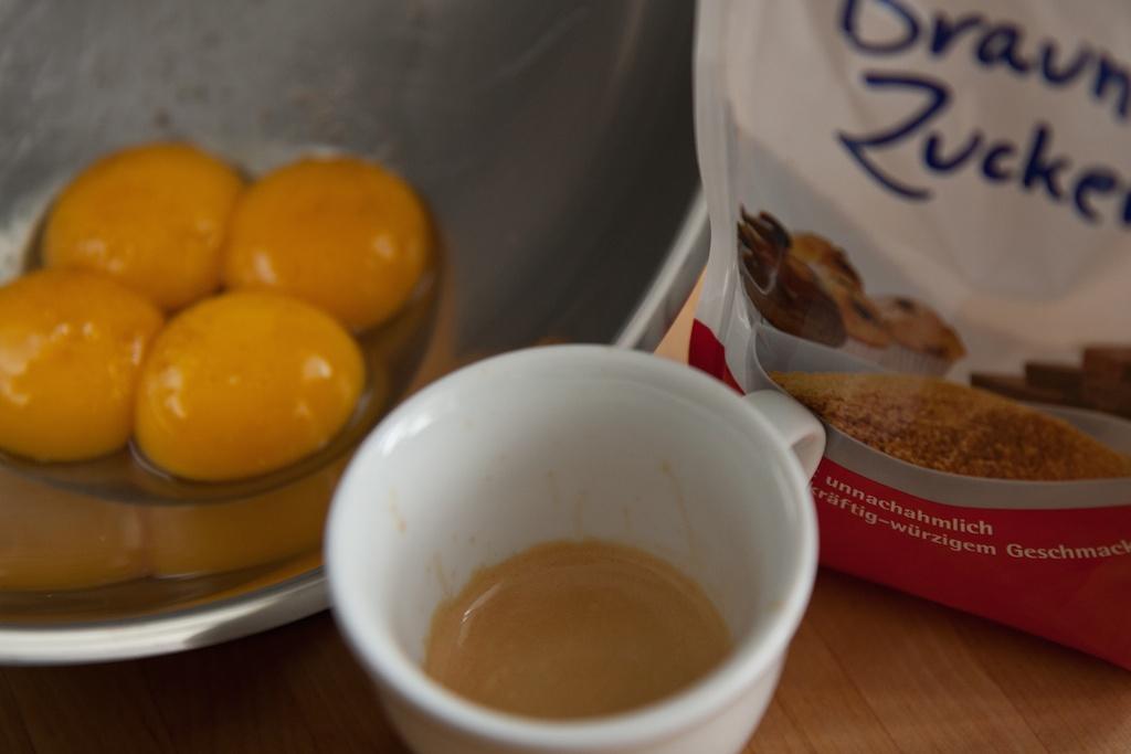 Eigelb, Kaffee & Zucker